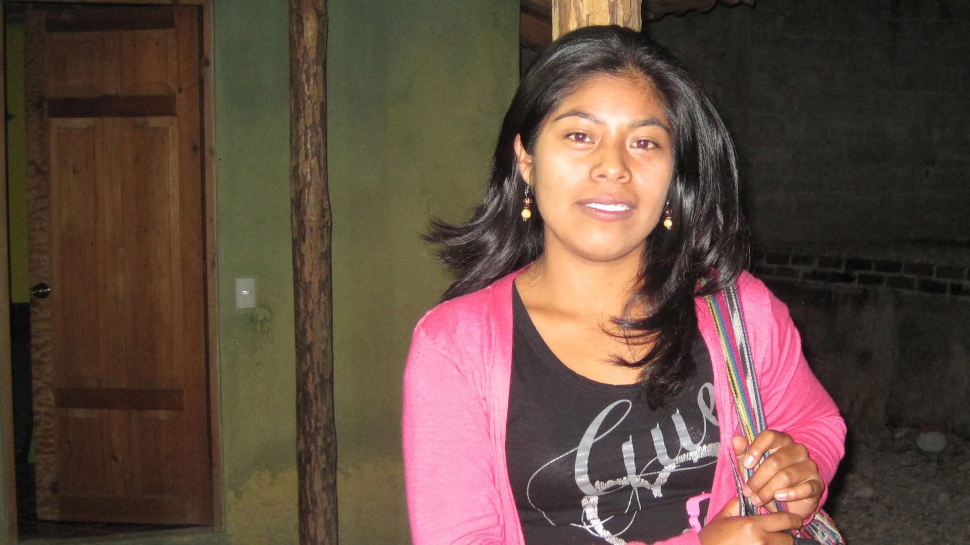 hollis center hispanic single women .