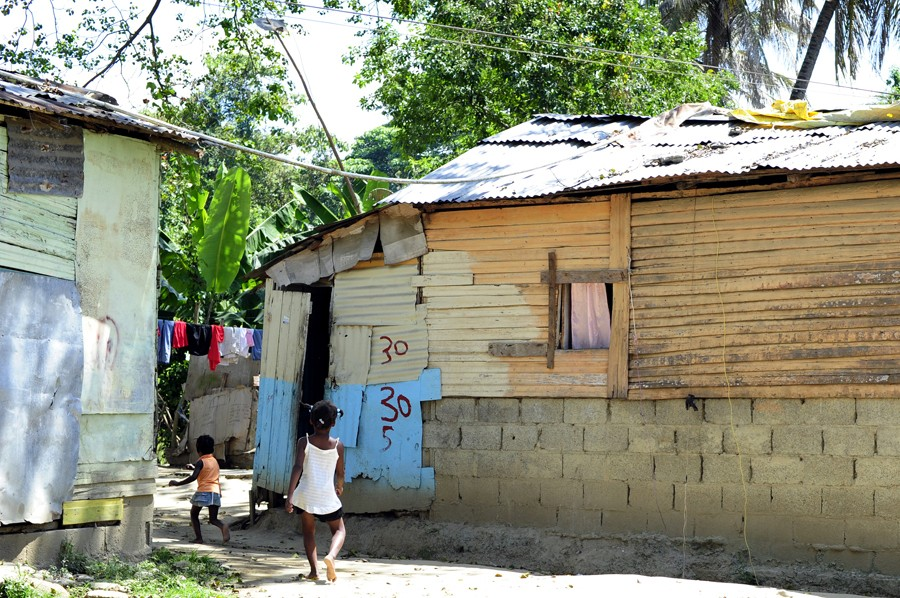 the dominican republic and haiti essay Haiti vs the dominican republic comparing two sister countries they say the grass is always greener on the other side, for haiti this saying seems to be.